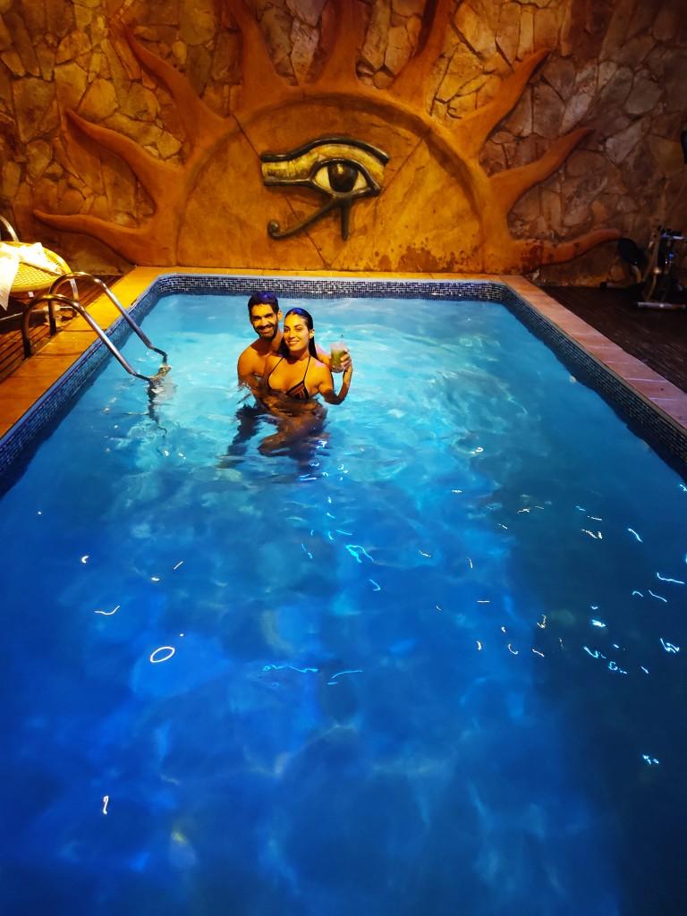 casal piscina